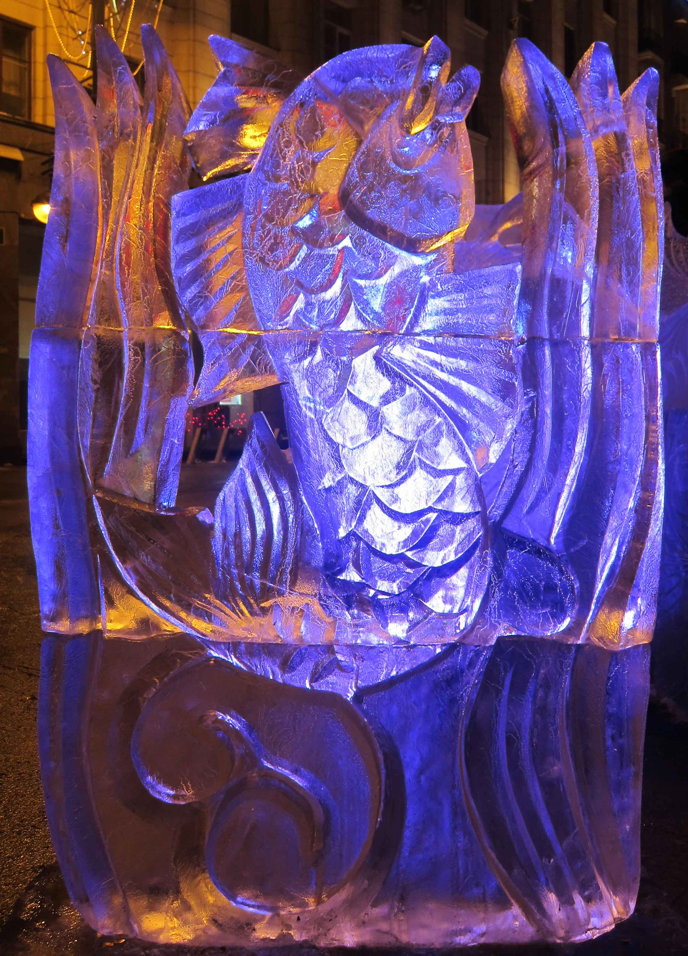 Sculptures de glace à Moscou: poisson enchanté