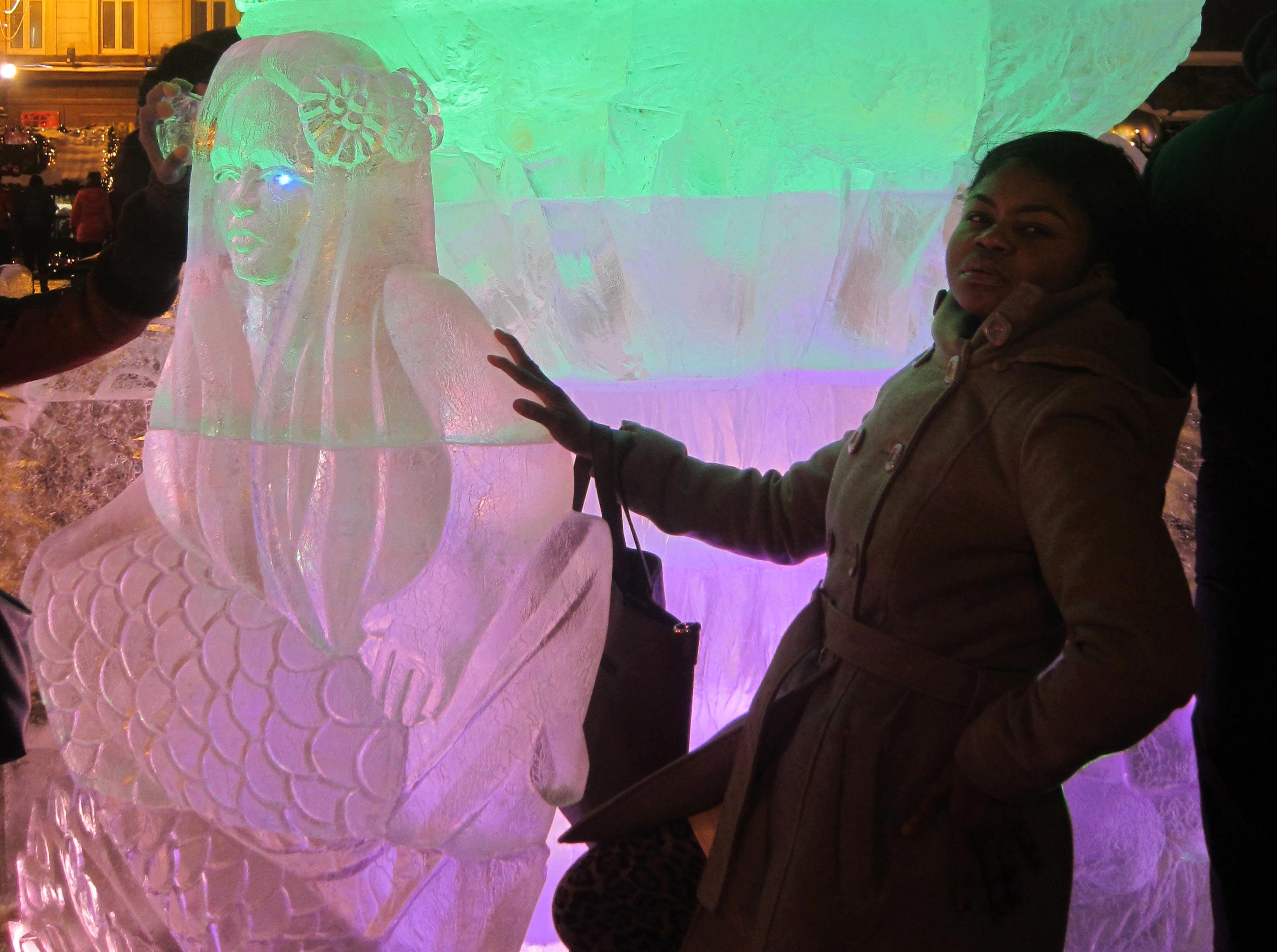 Sculptures de glace à Moscou: duel de princesses